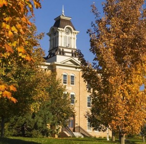 Old_Main_in_Fall_2008